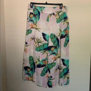 Wide leg cropped pants tropical print